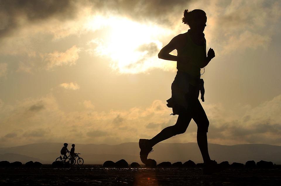 Running: l'importanza dei fornitori abbigliamento sportivo specializzati
